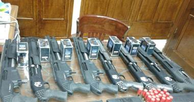 الأجهزة الأمنية تنجح فى ضبط 10 أسلحة و13 طلقة وخزينة لسلاح آلى بسوهاج