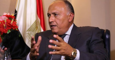 وزير الخارجية يغادر إلى الجزائر للقاء عدد من المسئولين