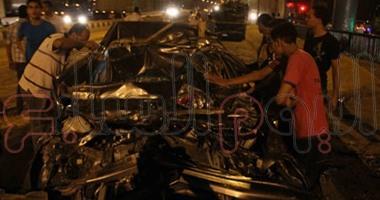 """بالفيديو..""""المرور"""":وفاة طفل وإصابة 20 آخرين بحادث تصادم الأوتوستراد"""