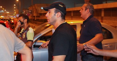 وصول فيفى عبده والفيشاوى وفتحى عبد الوهاب لحضور صلاة جنازة خالد صالح