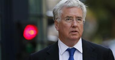 وزير دفاع بريطانيا: اللاجئون فى القاعدة العسكرية بقبرص ليسوا ضمن مسؤولياتنا