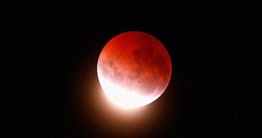 بث مباشر.. ناسا تنقل خسوف القمر من تليسكوب هابل