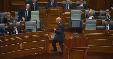 مشرعو كوسوفو يصوتون لصالح حل البرلمان وإجراء انتخابات مبكرة