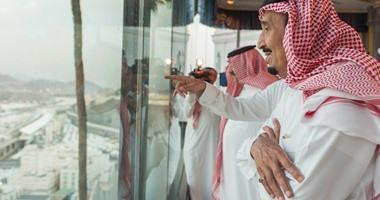 بالصور.. العاهل السعودى الملك سلمان يشرف على خدمات الحجاج 920152320536343