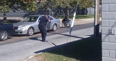 الحكم بسجن شرطي أمريكي سابق 25 عاما لإدانته بقتل رجل أسود