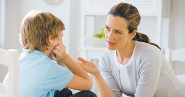 """دليلك للتعامل مع طفلك الذى يعانى من انحراف جنسى.. أهمها """"صاحبيه"""""""