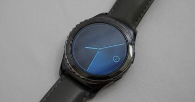 f181681b4 ساعة سامسونج الذكية Gear S2 قد تعمل مع أجهزة iPhone - اليوم السابع