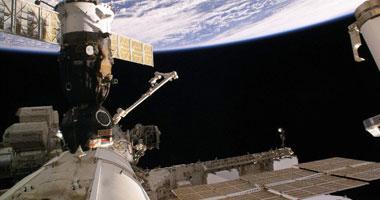 """كبسولة الفضاء """"دراجون"""" تلتحم بنجاح بمحطة الفضاء الدولية"""