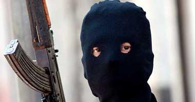 مسلحون يخطفون طالبة بصحبة والدها بطريق ميت غمر Masked-Palestinians2200815133250.jpg