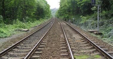 الصين تنشئ خط سكة حديد بين شينجيانج وتشينغهاى