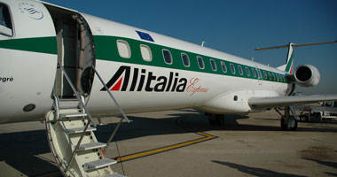 """""""أليطاليا"""" تتوصل لاتفاق مع النقابات قبيل تحالفها مع الاتحاد للطيران"""