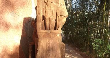 اكتشاف تمثالين يعودان لعصر الرعامسة بمدينة أرمنت جنوب الأقصر