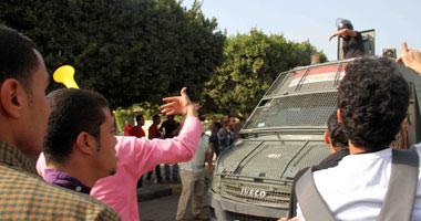طلاب الإخوان يشوهون مركز معلومات جامعة الأزهر بعبارات مسيئة للجيش