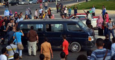 مشادات كلامية بجامعة القاهرة بسبب هتافات الإخوان ضد الجيش