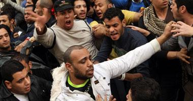 قوات الأمن تفض تظاهرة لمتضامنين مع 6 أبريل أمام محكمة عابدين