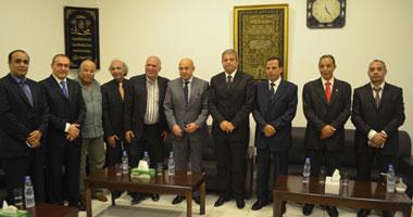 وزير الشباب يلتقى شباب الجالية المصرية المقيمين بالإمارات