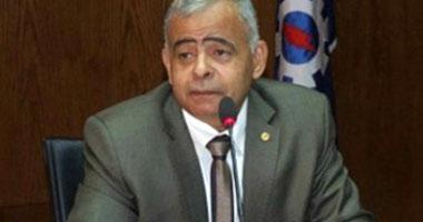 القوى السياسية تطالب محافظ السويس بمزيد من الإصلاح بعد بقائه بمنصبه