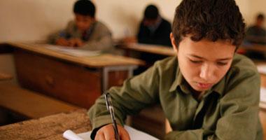 """""""تعليم القاهرة"""": إلغاء امتحانات طالب إعدادى بعد محاولته الغش بالمحمول"""