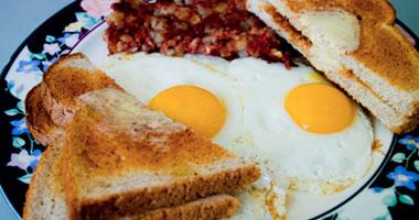 دراسة: تناول الفطور يساعد البدناء فى الحفاظ على نشاطهم