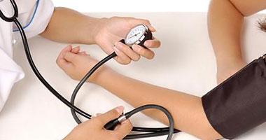 أعراض ارتفاع ضغط الدم.. أهمها الدوخة والصداع ونزيف الأنف