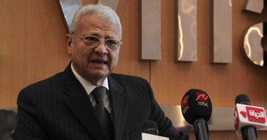 الدكتور عاطف حلمى وزير الاتصالات