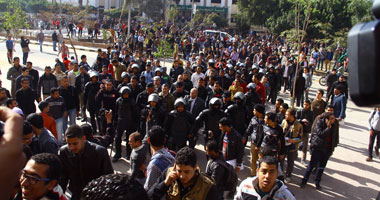 متظاهرون إخوان يقتحمون مديرية الصحة