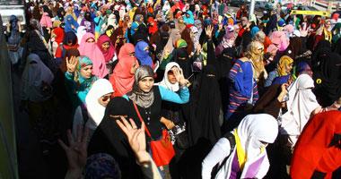 طالبات الإخوان بالأزهر يعتدين على موظفة أمن المدينة الجامعية