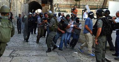 مستوطنون يقتحمون المسجد الأقصى وسط حراسة مشددة من قوات الاحتلال S1220139121738