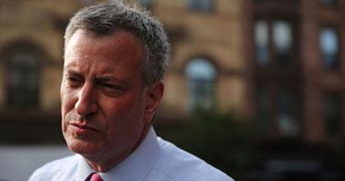 انتقادات لرئيس بلدية نيويورك لاقتراحه تقييد المساعدة القانونية للمهاجرين