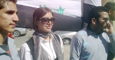 كلوديا حنا تطالب بتغيير الدستور العراقى ورحيل المالكى S320112145319
