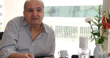 """اليوم.. وحيد حامد يجتمع بمنتج ومخرج """"القط والفار"""" لتغيير اسم الفيلم"""