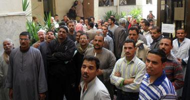 """فصل 5 عمال بمصنع """"سوجاز"""" السويس لاعتصامهم"""