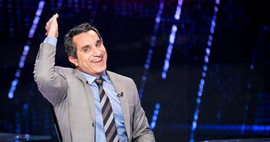 باسم يوسف ينتقد المتاجرين بشعبية السيسى ويلمح بأن ذلك يضر بالمشير