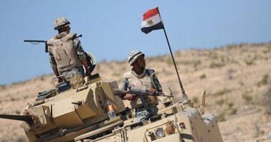 الجيش الثانى يلقى القبض على 3 إرهابيين بحوزتهم بندقية آلية بالعريش