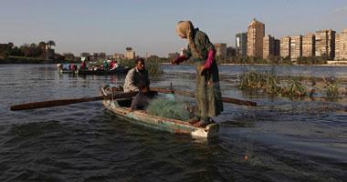 صيادو السويس يحذرون من انخفاض المخزون السمكى بالأسواق