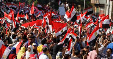 أهالى شبرا ينظمون مسيرة احتفالية