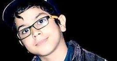 """""""أنس جمال"""" مصمم جرافيك ورسام كاريكاتير فى العاشرة من عمره"""