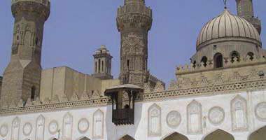 خطيب مسجد الأزهر يطالب المصلين باتباع نصائح العلماء فى تقسيم الأضحية
