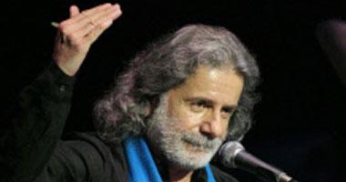 التيارات الدينية تمنع مارسيل خليفة من الغناء.. وكويتيون: مسموح لكيم كاردشيان