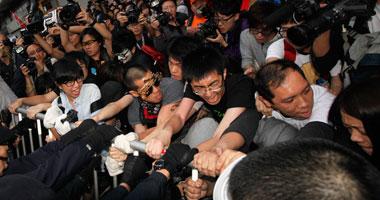اعتقالات بعد إندلاع مشاجرات فى احتجاجات هونج كونج