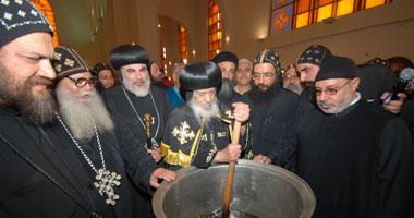 مسحة الميرون طبقا لأوامر وتعاليم الرسل