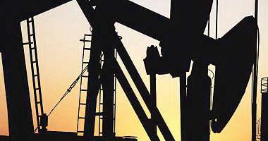 أسعار النفط ترتفع 1% مع العزوف عن الدولار