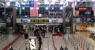 السفارة الأمريكية تهيب بالمسافرين للولايات المتحدة ضرورة مراجعة مواعيد الرحلات