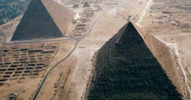 """""""الأهرامات""""  محظورة على المصريين فى عيد أجدادهم"""
