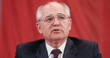 آخر زعماء الاتحاد السوفيتى يحذر من العودة إلى الحرب الباردة