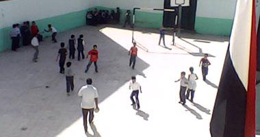 تسمم 55 تلميذاً عقب تناولهم بسكويت مدرسى