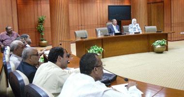محافظ بورسعيد يطالب رؤساء الأحياء