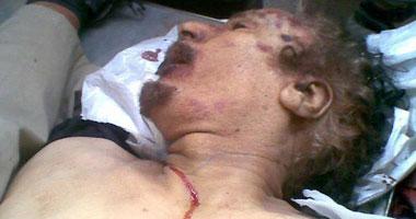 بالفيديو والصور.. جثتا معمر القذافى وابنه المعتصم فى مصراتة