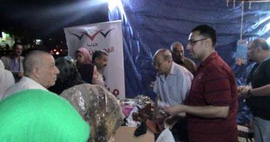 بالصور.. المصريين الأحرار بالإسكندرية ينظم معارض خيرية بمناسبة العيد