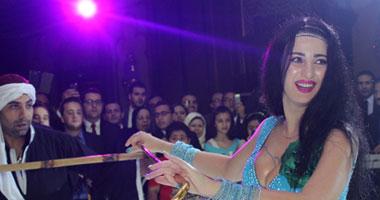 بالصور.. صافيناز: أنا برقص بكل حاجة ونفسى فى عريس مصرى